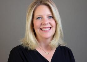 Profile picture of team member Laura